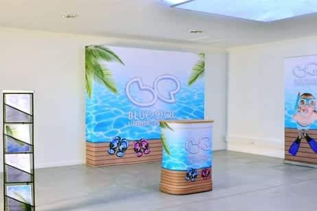 Stand d 39 exposition et stand parapluie comptoir d 39 h tesse for Fabricant de stand pour salon